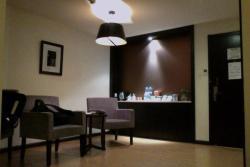 Pu'er Marvelous Land Business Hotel