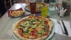Pizze enormi e squisite!