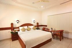 Hotel Midhuna International