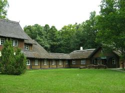 Kmeri Forest House