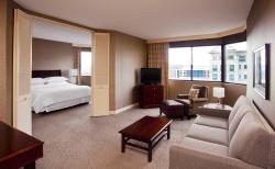 Sheraton Suites Wilmington Downtown Hotel