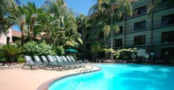 Radisson Suites Hotel Anaheim - Buena Park