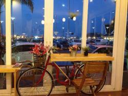 Longchae Cafe