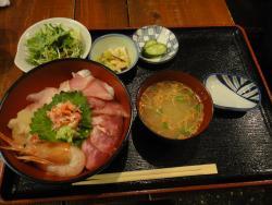 Kyobashi Yaesu Local Sake Fresh Seafood Uokatsu