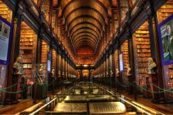 ‪The Book of Kells and the Old Library Exhibition‬