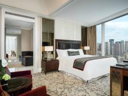 Lafayette Suite Room