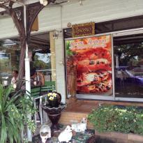 Ruean Rojjana Thai Restaurant