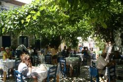Giannis Paradosiaki Taverna