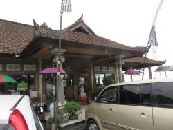 Saras Restaurant