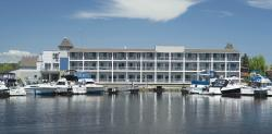 Park Point Marina Inn
