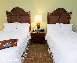 The Double Full Room at the Hampton Inn & Suites San Juan