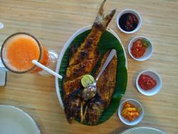Kapal Laut seafood restaurant