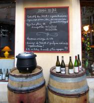 Le Vin Est Une Fete