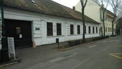 Ladics House