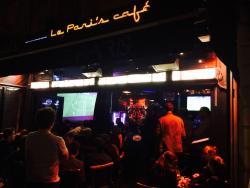 Le Pari's Café