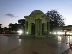 Thomas Parr Monument