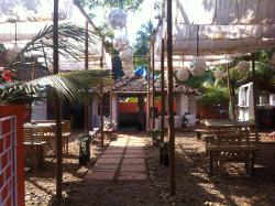 Montys Resto-Lounge