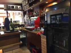 La Famiglia -Cafe and Wine House