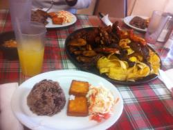 Las Segovias Restaurant comida nicaragüense