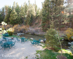 Grounds at the BEST WESTERN Rivers Edge