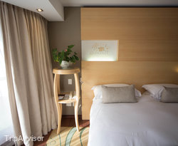 The Mountain View Suite at the Vineyard Hotel