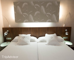 The Twin Room at the Hotel Opera