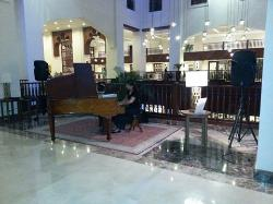 classical music in the lobby - perfect