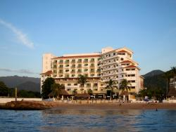 Picture of hotel from the Bay
