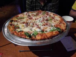 Me-n-Ed's Pizzaria