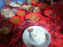 Warung Lesehan Merta Sari