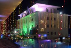 Hotel East West