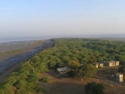 Piram Bet Island