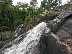 Air terjun taman nasional Than Sadet