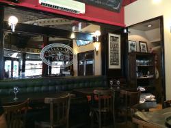 Mala Restaurant & Pub