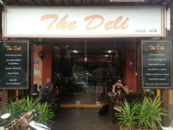 The Deli, Maenam