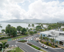 The King Premium Ocean View Room at the DoubleTree by Hilton Hotel Cairns