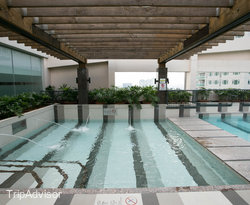 The Pool at the Holiday Inn & Suites Makati