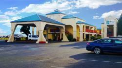 紅木海岸品質套房飯店