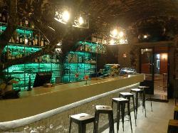 Bar 62