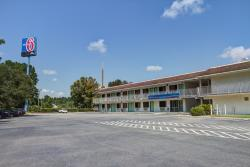 Motel 6 Savannah - Richmond Hill