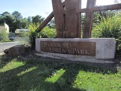 ‪Woodend Children's Park‬