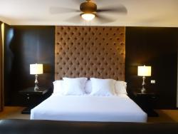 Clara Luna Hotel
