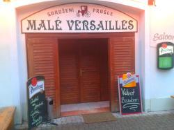 Male Versailles