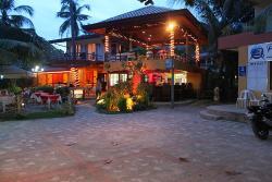 Alona Beach Bar And Restaurant