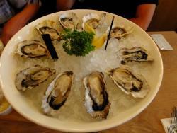 GLOW Oyster Bar