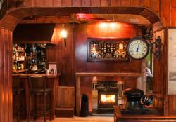 Veldon's Seafarer Bar Restaurant and cafe