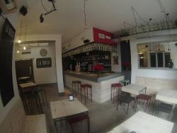 La Mona Bar
