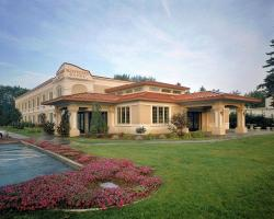 Mallozzi's Belvedere Inn
