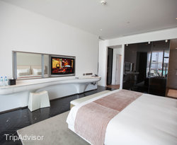 The Marina Deluxe Suite at the Yas Viceroy Abu Dhabi