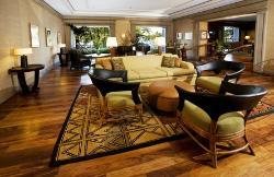 Luana Lounge